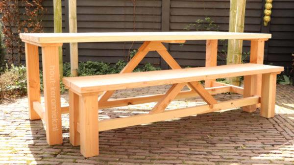 tafel en bankje model Steef 1
